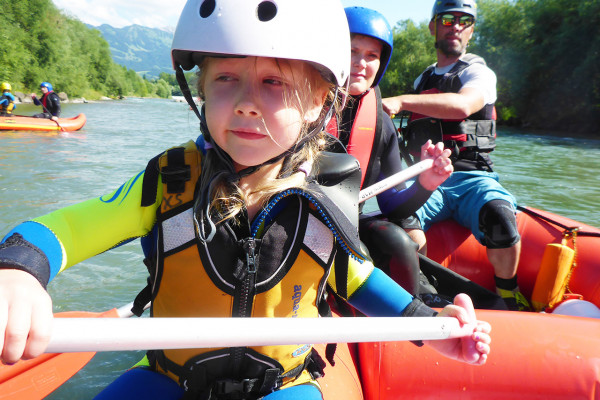 Familien Rafting Iller - Raftingtour Level 1 im Allgäu in Blaichach