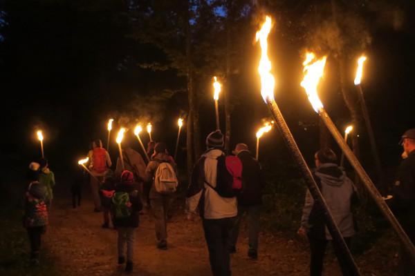 Ticket Groupe: Randonnée aux flambeaux