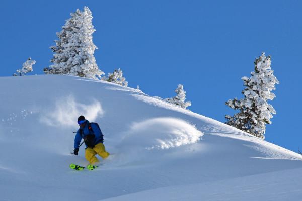 Bon Ski poudreuse pyrénées!!