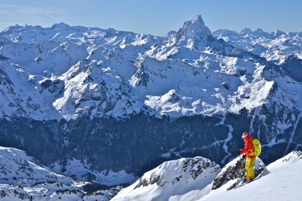 Vue sur Pic, et on y va! freeride et neige poudreuse pyrénées