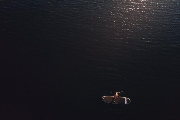 Stand up paddle sur le lac de Sallent de Gallego