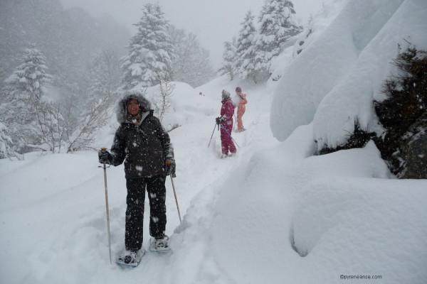 raquettes a neige classe de neige Pyrénées