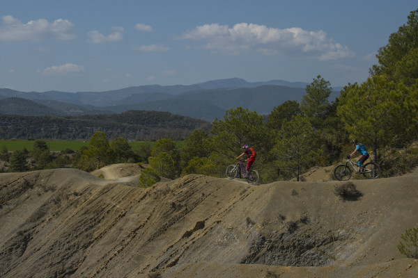 Dépaysement total en VTT enduro dans les Pyrénées espagnoles