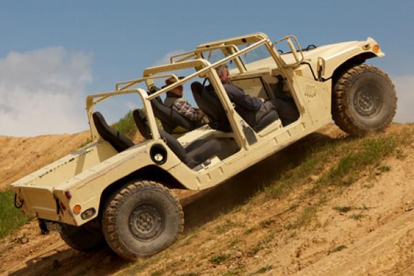 Hummer H1 Offroad fahren in Pelm