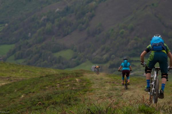 vtt et mountain bike avec vos collègues en montagne