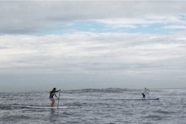 Initiation au stand up paddle dans la baie de txingundi