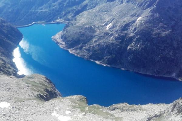 Lac d'Oredon dans la réserve de Néouvielle
