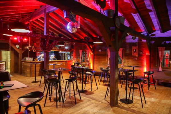 Lentz'en Chalet eingerichtet für einen festlichen Abend