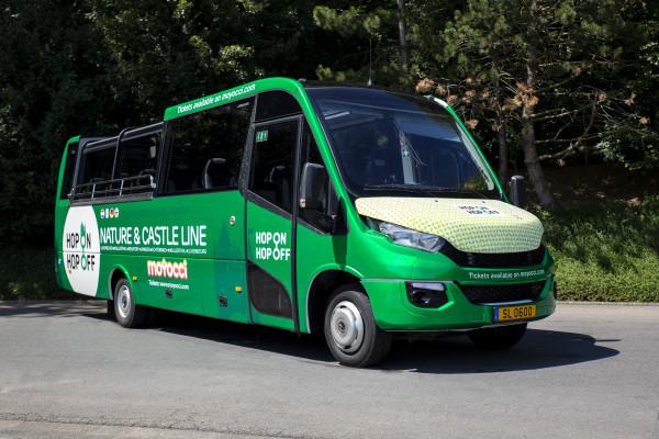 Bus touristique Hop On Hop Off du Nature & Castle Tour