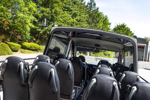 bus touristique semi-décapotable du Nature & Castle Tour