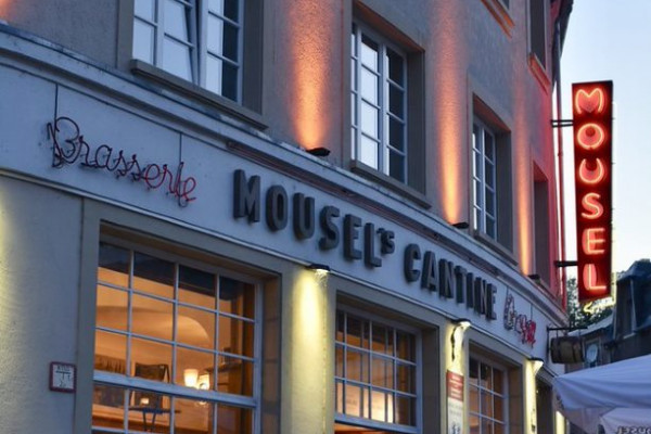 Facade of the Luxembourgish restaurant Mousel's Cantine