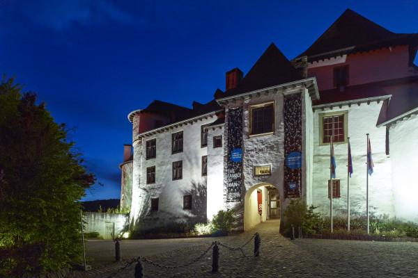 Clervaux castle by night