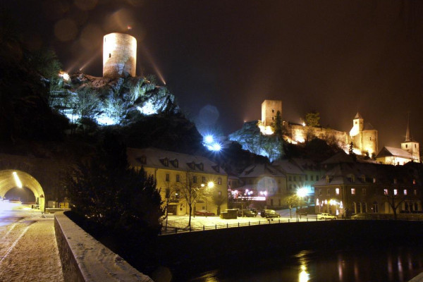 Panoramic view of Esch-sur-Sûre at night