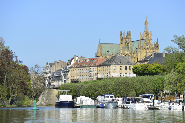 Metz cathedral and water park