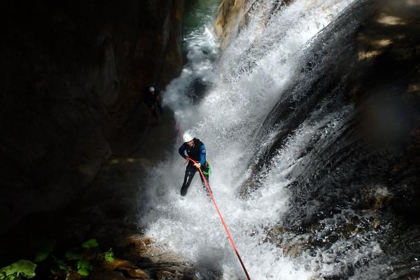 Cascade et descente verticale