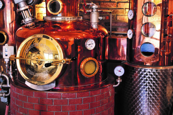 """Drop by the local """"Drëpp"""" producers (LU, Distillery Tour)"""