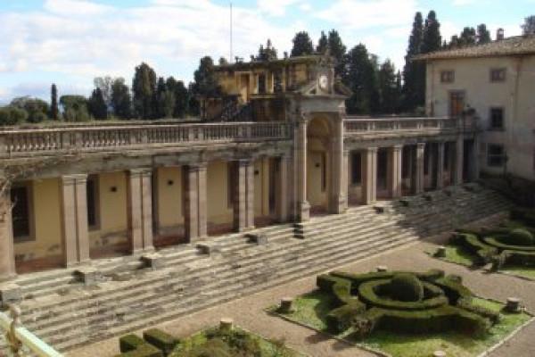 LA VILLA DI ENRICO CARUSO: il mito della canzone napoletana sulle colline di Firenze