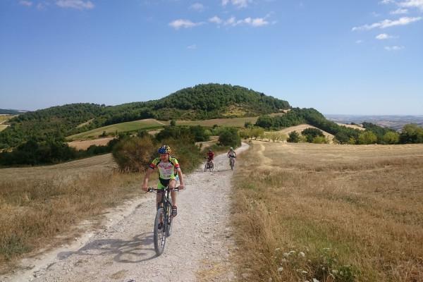 I Castelli di Arcevia in mountain bike
