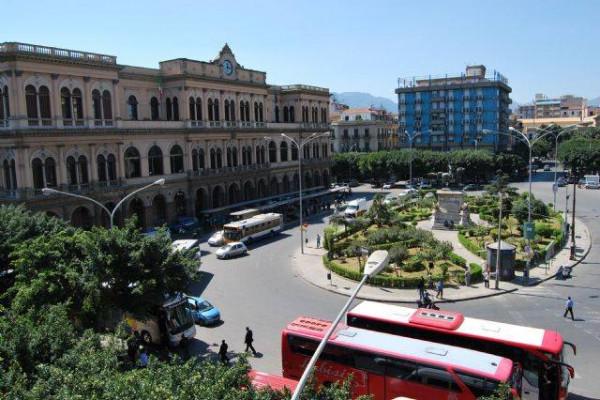 Stazione Centrale di Palermo