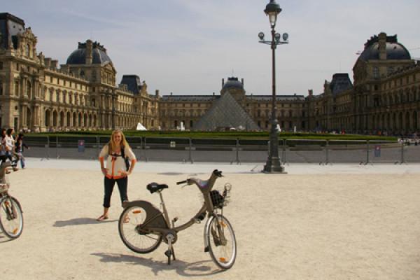 Louvre & Glass pyramide