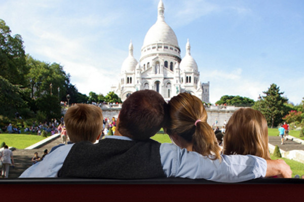 Discovering Montmartre from the comfort of your home