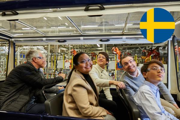 På guidad tur i Volvo Cars fabrik i Torslanda