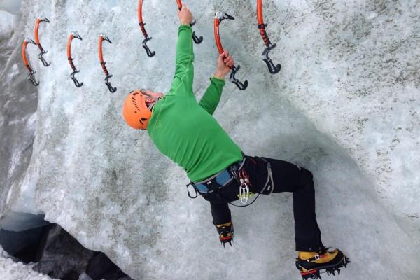 Corso Ice Climbing arrampicata su ghiaccio Dolomiti Alpi Cogne Pontresina  Trentino #lolgarda