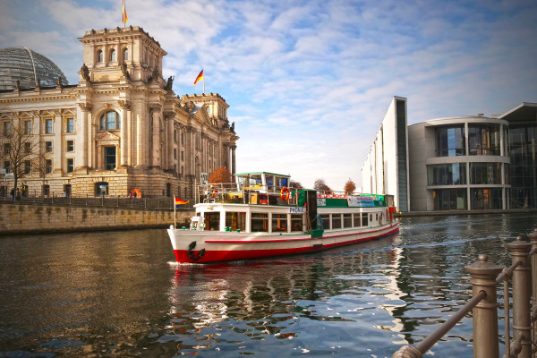 Fotokurs in Berlin: Reichstag und Spreebogen-Park