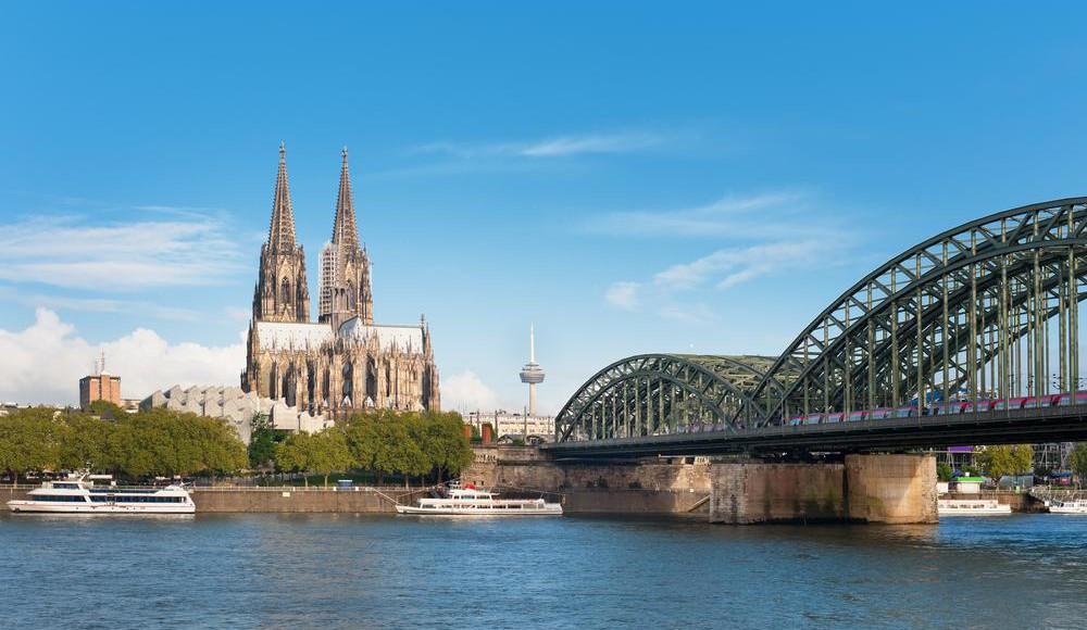 Bus-Stadtrundfahrt durch Köln - Tour-Guide mieten