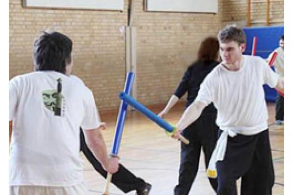 Training mit Übungsschwertern