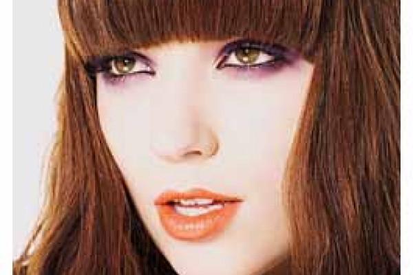neues Haarstyling für Frauen