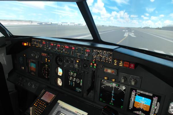Echtes Cockpit B737-800