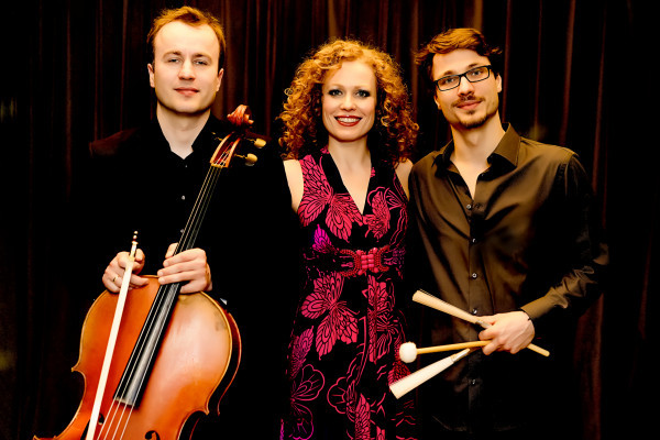 """Konzert im Fährhaus Caputh: Caroline Bungeroth & Family """"Chanson, Tango & Alles von mir"""""""