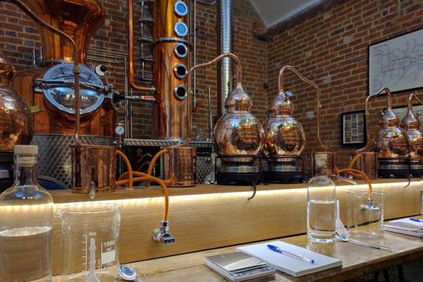 Gutschein für ein Gin Brennkurs für 2 Personen
