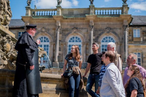 Der Bierkutscher weiß auch einiges über Bayreuther Sehenswürdigkeiten zu berichten