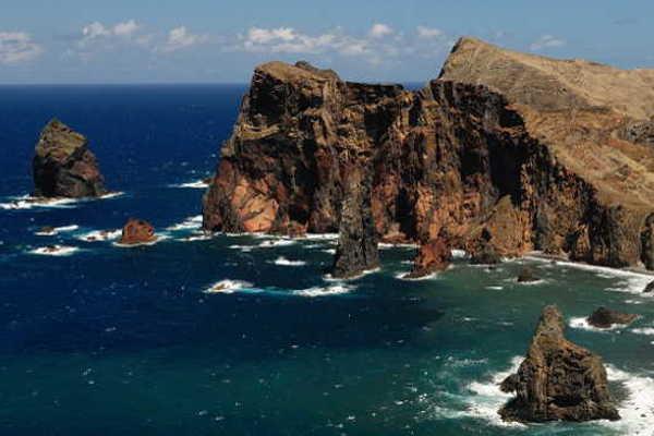 Die faszinierende Steilküste der Halbinsel Sao Lourenco in Madeira