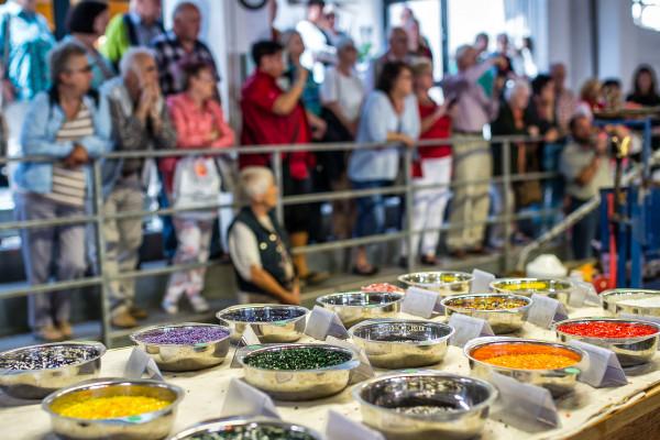"""Im ERLEBNISrundgang """"ManufaktOur"""" erleben Sie die Glasmacherkunst hautnah!"""