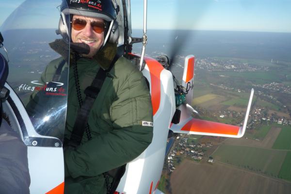 Der letzte Bulle Henning Baum im Gyrocopter
