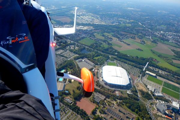 Im Gyrocopter über der Schalke Veltins Arena