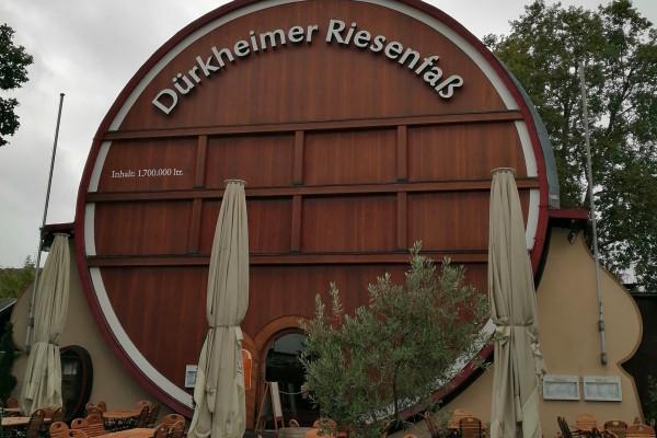Das größte Fass der Welt - beherbergt eine Gastwirtschaft in Bad Dürkheim