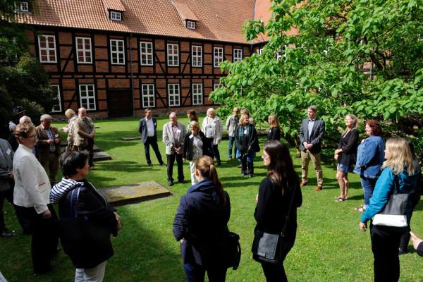 Führung im Kloster ISenhagen, Foto: Südheide Gifhorn GmbH/Frank Bierstedt