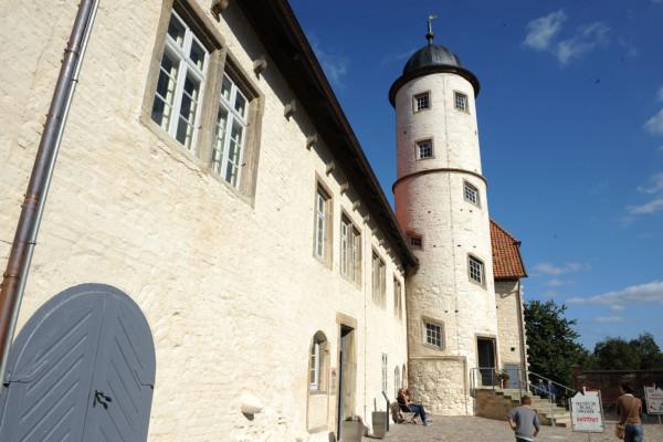 Blick auf die Burg, Foto: Südheide Gifhorn GmbH/Frank Bierstedt