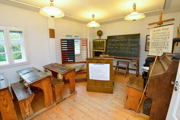 Historisches Schulzimmer im Museum Steinhorst, Foto: Südheide Gifhorn GmbH/Frank Bierstedt