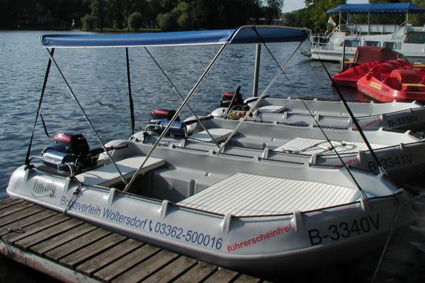 Whaly 370 8PS mit Sonnenschutz (extra)