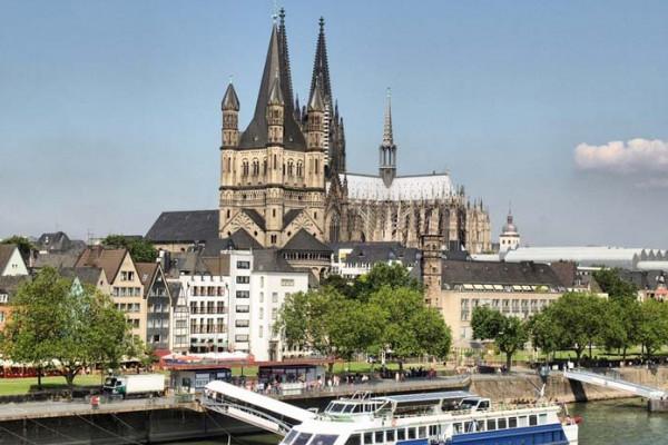 Blick über den Rhein