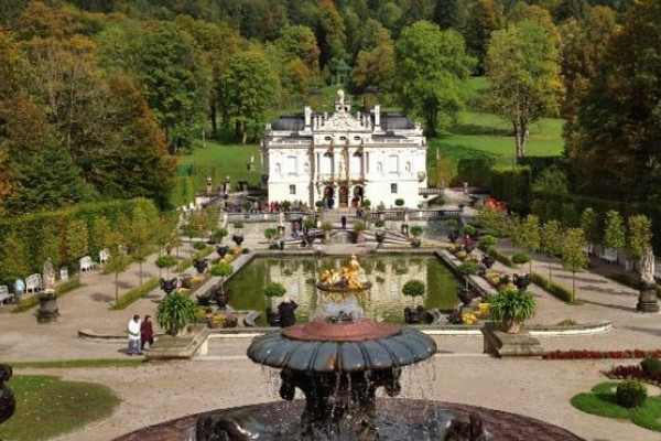 Linderhof und Park