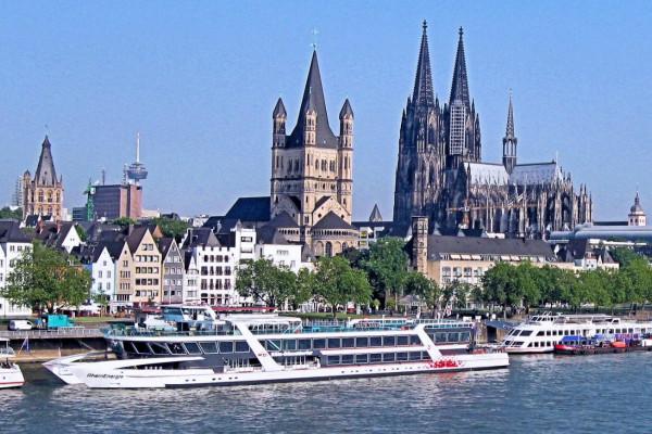 Den Rhein genießen auf der Altstadtführung und Panorama-Schiffsrundfahrt in Köln