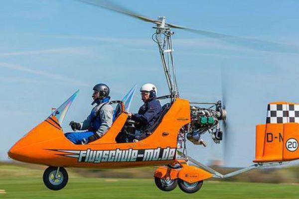 Rundflug im offenen Tragschrauber über Magdeburg