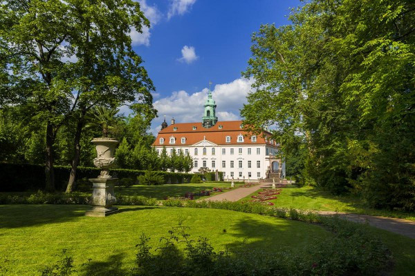 Außenansicht Schloss & Park Lichtenwalde