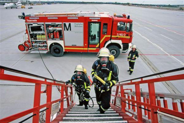 Feuerwehr am Flughafen München